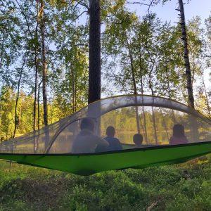 Tentsilen telttasta on hyvät näköalat järvelle
